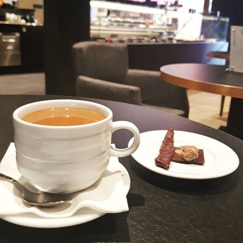 Hot chocolate at Bello et Angeli