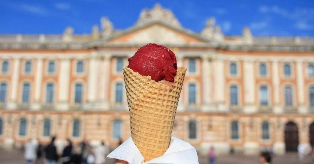 ice cream in Toulouse at the Place du Capitole